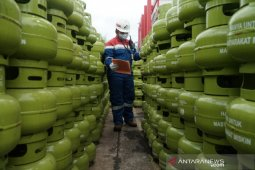 Govt moves to offer LPG under direct subsidy