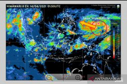 Surigae Tropical Cyclone formed around West Pacific, north of Papua