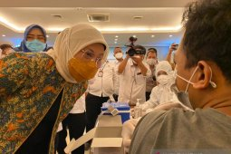 Migrant workers accorded priority to receive vaccine: minister